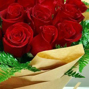 bouquet rosas rojas ecuador